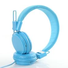 Fone de ouvido colorido com microfone