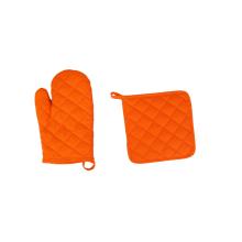 Ensemble de gants de cuisine et maniques