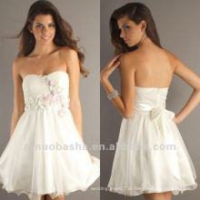 Juventude Sweetheart Mini A Line White Pequena Handmade Flower Beaded Bowknot Graduation Dress Party Gown