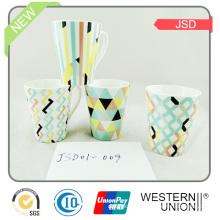 Tasses de thé de conception de porcelaine de forme de V pour promotionnel