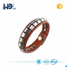 2015 Kundenspezifische Metallbolzen-Frauen-Armband