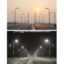 La iluminación personalizada de Ourdoor galvanizó el precio del poste de la luz de calle de la calle