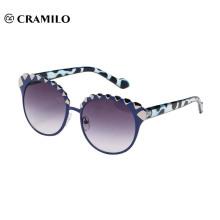Round shape rivetr frame cool fashion sunglasses