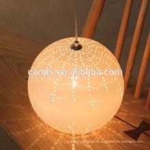 Dekorations-Leuchter, der keramische Pendelleuchte beleuchtet