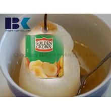 Frescas e refrescantes e deliciosas peras enlatadas