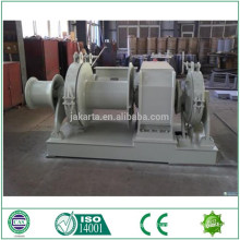 Hydraulic windlass for boat