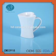 Tasse en céramique en forme de coeur blanc, tasse de coeur, tasse personnalisée