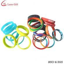 Vente chaude coloré Logo personnalisé Bracelet en Silicone pour le cadeau (LM1625)