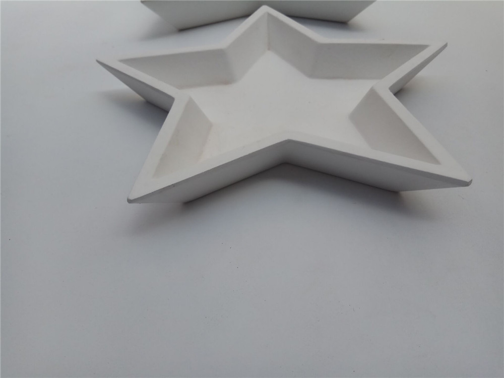 wooen star decoration plate