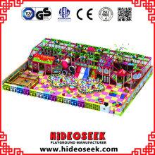 Candy House Theme Indoor Playground Equipment con tobogán tubular