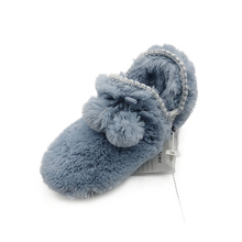 Soft plush indoor slippers Fashion hot sell autumn and winter slippers Comfortable and warm slippers for women
