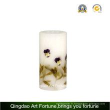 Bougie artisanale en forme de décoration florale