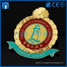 insignia del logotipo del coche del esmalte plateado