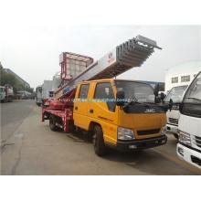 Camión de plataforma de 30 m de altura con brazo recto