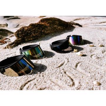 Sombreros de plástico con protección UV