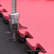 Estilo de torneio de cor RedBlack bloqueio de tapetes de Karatê para venda
