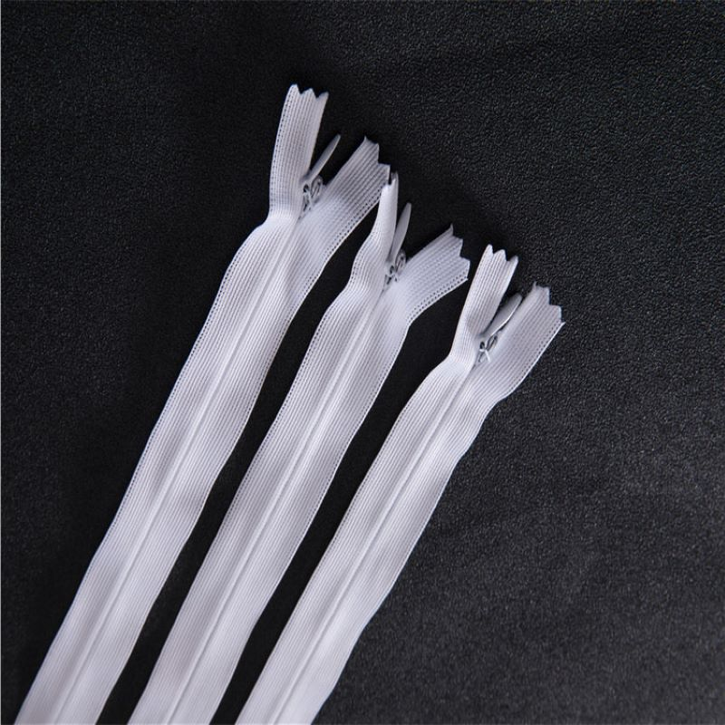Tight separating clothing zippers