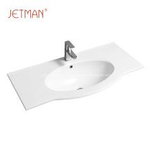 lavabo de salle de bain en céramique blanche