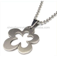 Wholesale hollow flower shape necklace charms pendants women's fashion vogue stainless steel jewellery accesories manufacturer