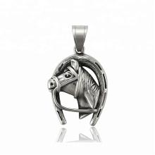 33888 xuping Best selling preto gun cor de aço inoxidável jóias pingente de cabeça de cavalo
