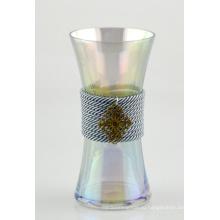 Стеклянная ваза с веревкой из хлопка и медной отделкой