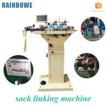 Équipement de couture typique à grande vitesse pour la chaussette automatique reliant la machine de chaussettes