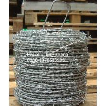 Fabricação de arame farpado com revestimento galvanizado ou em PVC