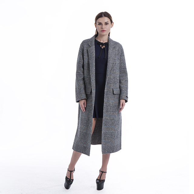 .Medium and long suit collar jacket, trendy plaid