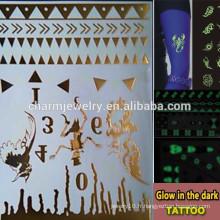 OEM Grossiste marques de mode de tatouage lumineux brillent dans le tatouage noir tatouages temporaires Autocollant pour adultes GLIS007