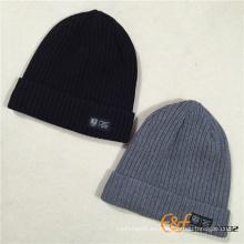 Sombrero de gorrita tejida hecha punto de encargo de los hombres con el paño grueso y suave