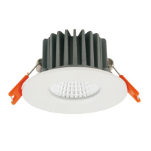 Downlight LED cuadrado resistente al agua IP65 8W