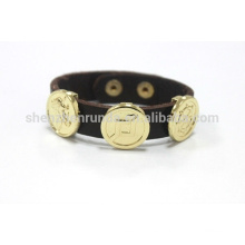 Pulsera de cuero marrón oscuro de la joyería de la manera con la pulsera del botón fabricante y proveedor