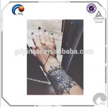 Tatouages noirs de henné, autocollant provisoire de tatouage de dentelle noire de henné