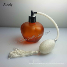 Frasco de perfume do tipo do vintage com perfume original
