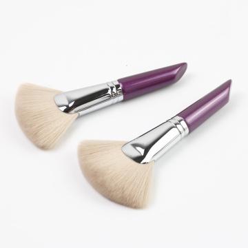 Brosse pour ventilateur charmante à manche court violet pour le maquillage