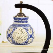 Abat-jour bleu et blanc en céramique