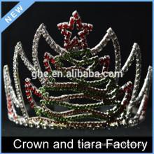 С Новым годом рождения короны тиары, декорации рождественской короны