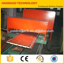 Línea de producción continua del panel de bocadillo de la PU, panel de emparedado que forma la máquina