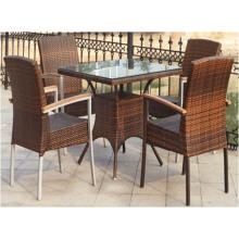 Chaises de table de rotin en plein air à vendre