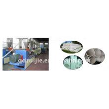 Pipa del PVC que hace la maquinaria