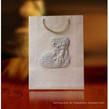 Geschenkbeutel aus Papier mit Spezialprägung