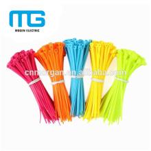 El lazo de nylon verde autoblocante de la cremallera del cable sujeta la deformación 100 * 3m m con disponible en varios colores, UL94-V2, aprobación del CE