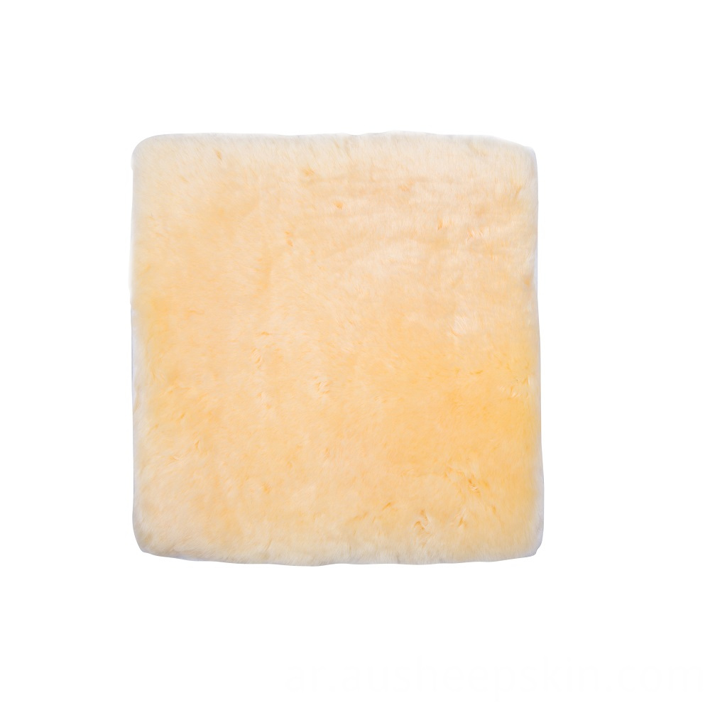 Pressure Relief Sheepskin Pad Natural