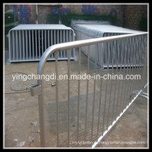 Barrera de control de muchedumbre, barrera de seguridad, barrera de acero, barrera de protección, barrera peatonal, barrera de concierto, barrera policial