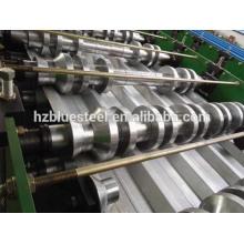 Galvenized Coat Metal Tole Machine de formage de rouleaux de laminoir de toit en tôle, machine à laminer ondulée Rib R Panel