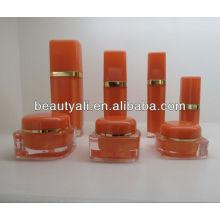 Квадратная косметическая акриловая банка для крема