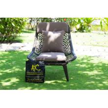 Chaise de salle à manger en polyéthylène à design moderne pour meubles extérieurs