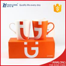 Feines Porzellan nettes Paar Kaffeetasseentwurf / keramische interessante Paarbecher mit Geschenkkasten