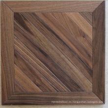 Suelo de madera del entarimado de la madera sólida de la nuez