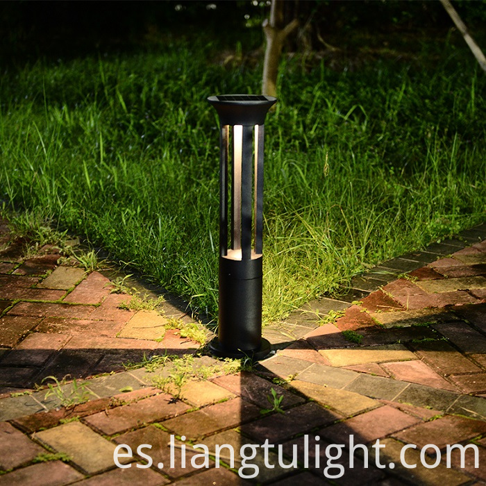Plain Solar Lawn Lighting System